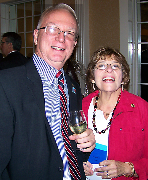 Former SRC member Chas and Sue Owens, now of the Northville Club, sent greetings to SRC.