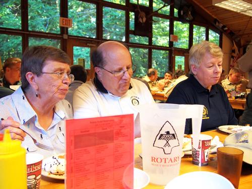 Donna Van Alstine, ADG Bob Van Alstine and Pat Bailey dining.