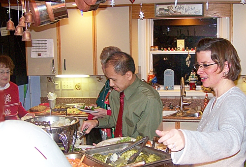 Len and Jan load up on the prime rib buffet.