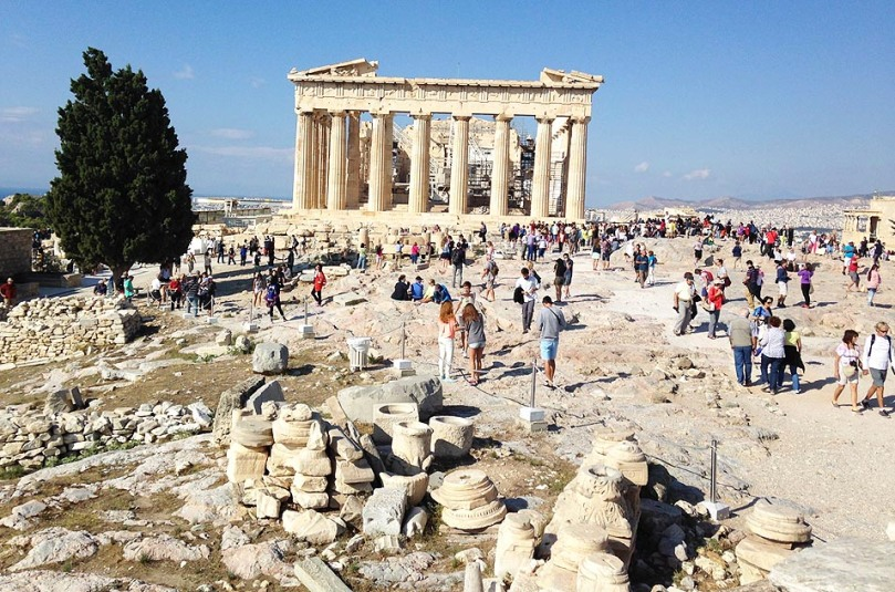 Crowds at The Parthenon.